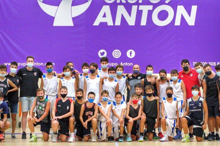La Cantera IVECO se ejercita con el Baloncesto Fuenlabrada